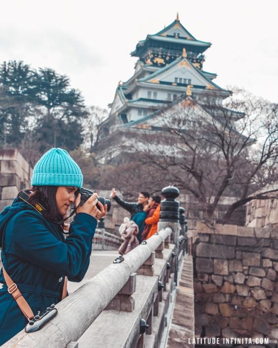 Olha ai o lindo castelo de Osaka. Sabia que no entorno tem um parque muito lindo?